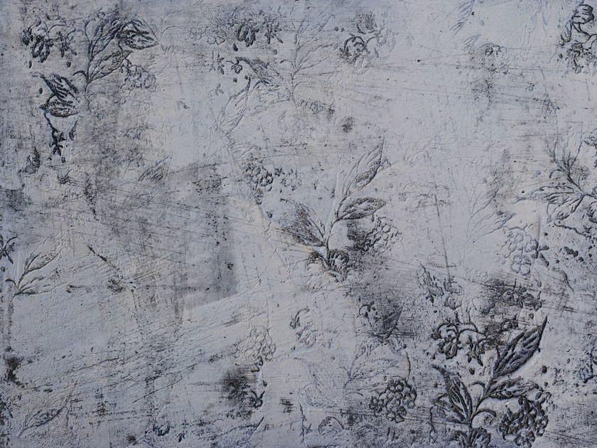 Wallpaper with floral pattern KALADY by Wallpepper