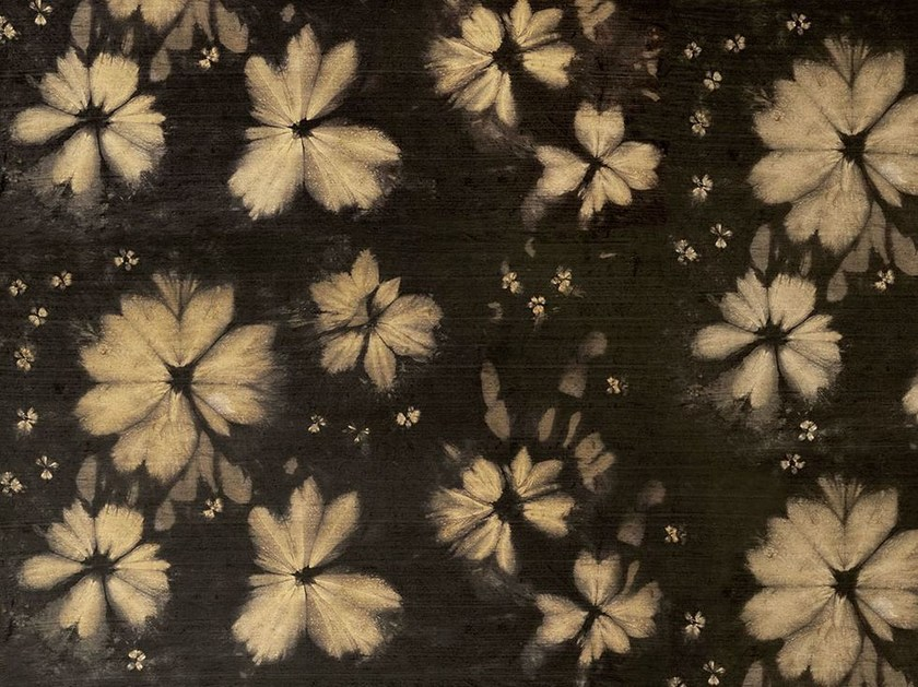 Wallpaper with floral pattern COSTELLATION by Wallpepper