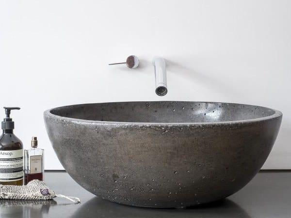 Round concrete washbasin Washbasin by AtelierB