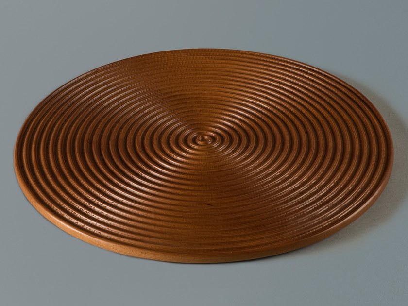 Round solid wood tray WAVES XL by Milla & Milli