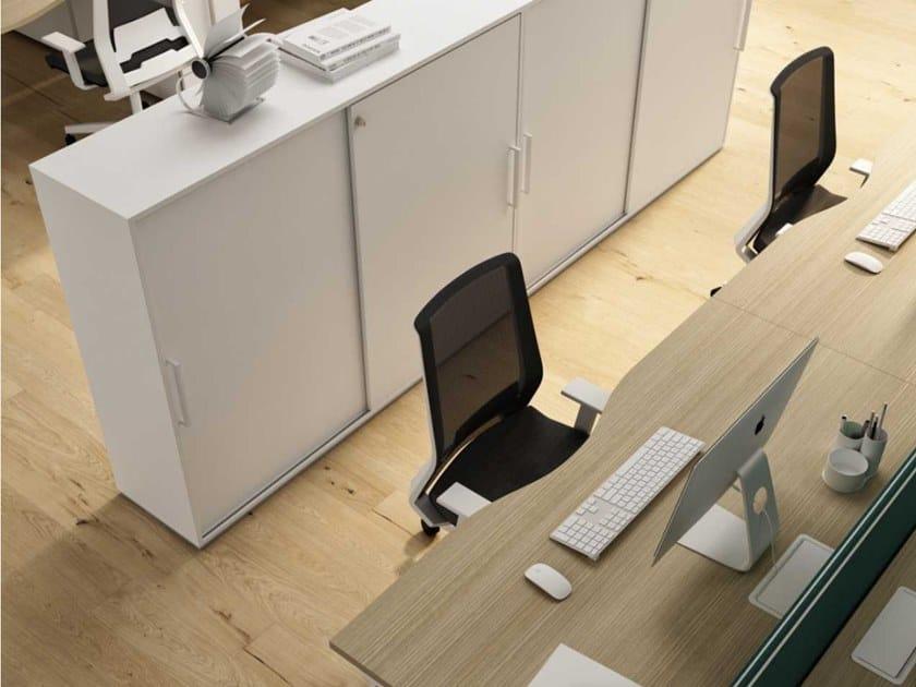 Mobile ufficio in nobilitato con ante scorrevoli con serratura ...