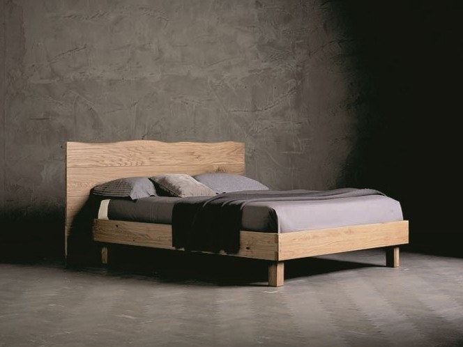 Letto matrimoniale in legno massello WOOD RING 4 by AltaCorte