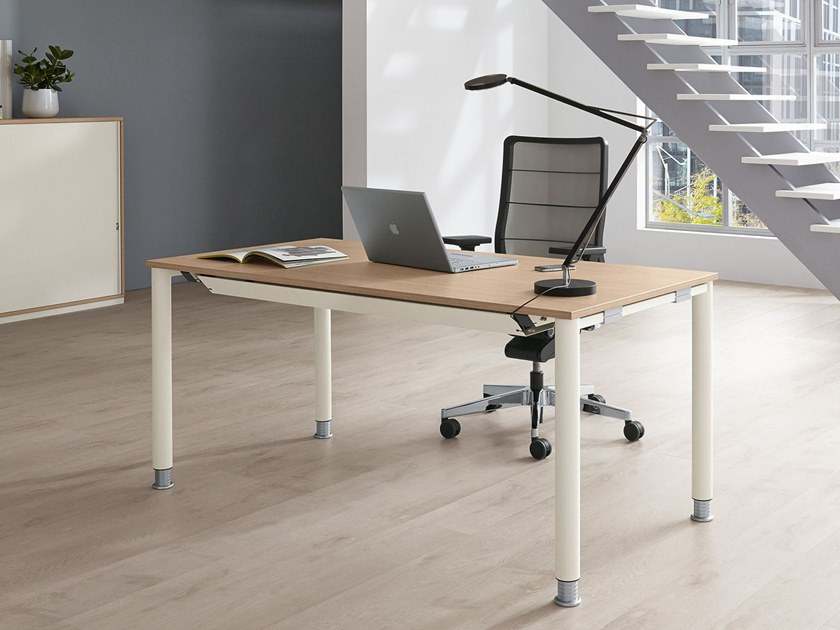 Height-adjustable workstation desk SYSTO·TEC | Workstation desk by PALMBERG