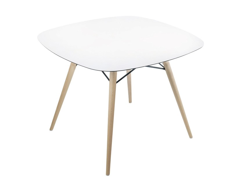 Square dining table WOX | Square table by Papatya