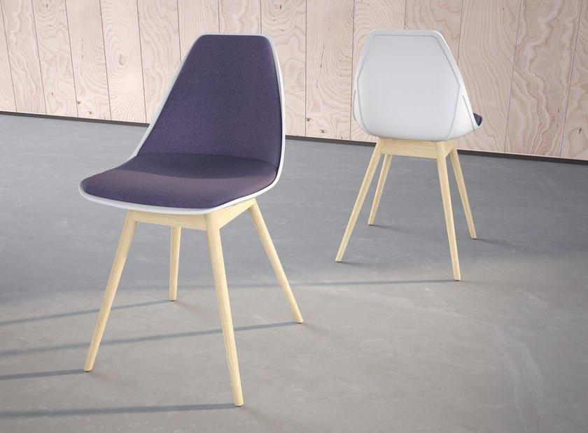Gepolsterter stuhl x wood 2 soft kollektion x chair by alma design