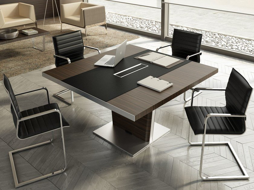 Square meeting table with cable management X10 | Square meeting table by Quadrifoglio