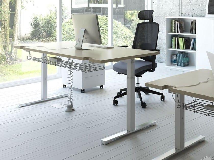 Height-adjustable rectangular office desk YAN_T | Height-adjustable office desk by MDD