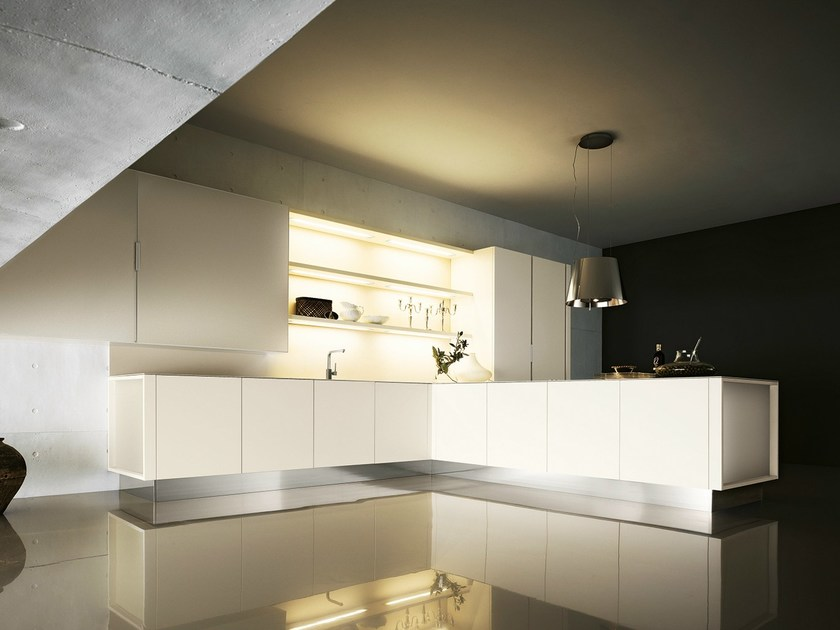 Lacquered kitchen with peninsula YARA 04 by Cesar Arredamenti
