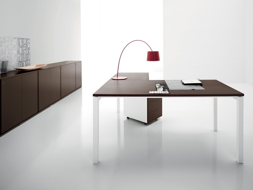 L-shaped wooden office desk YARD | L-shaped office desk by Martex