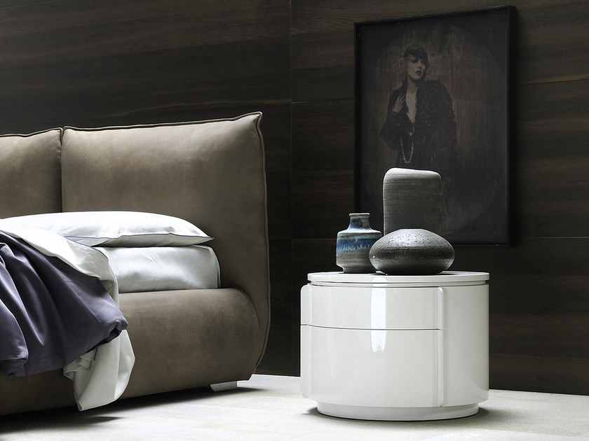 Round bedside table with drawers YNDRO | Bedside table by Silenia