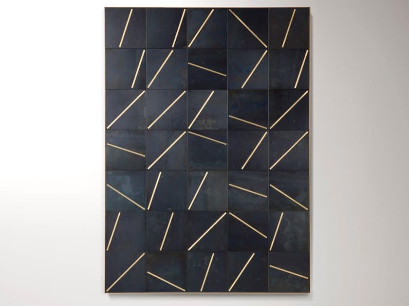 Pannello in lamiera nera con inserti in ottone spazzolato YOKO 01 by DE CASTELLI