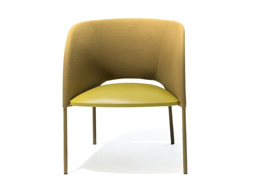 Upholstered easy chair with armrests YUMI | Upholstered easy chair by Moroso