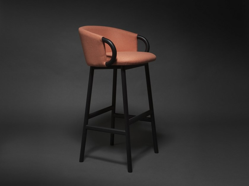 High stool with back ZANT 06 by Very Wood