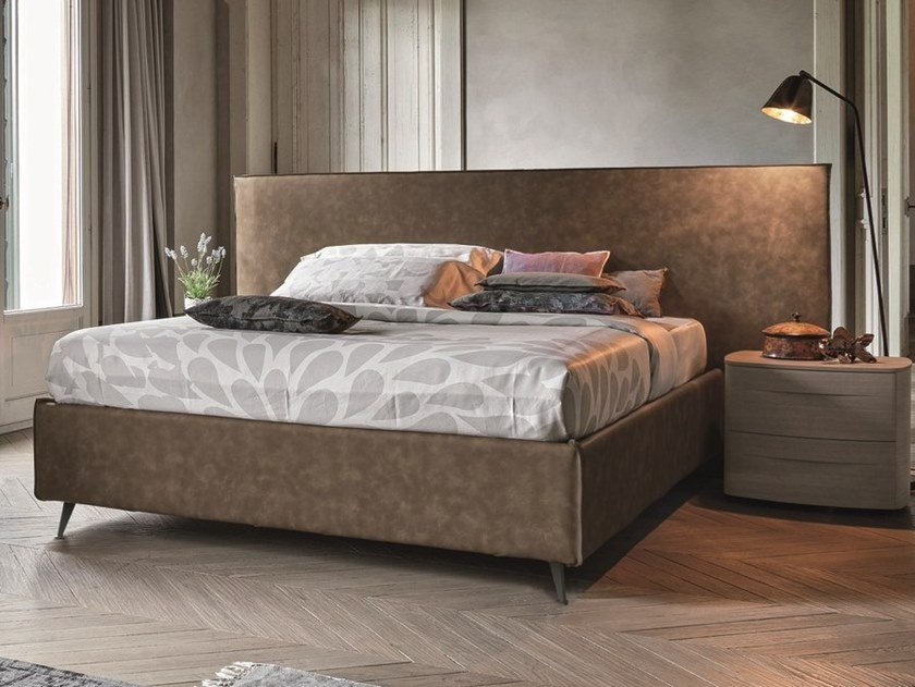 Upholstered leather double bed ZENO XL by Gruppo Tomasella