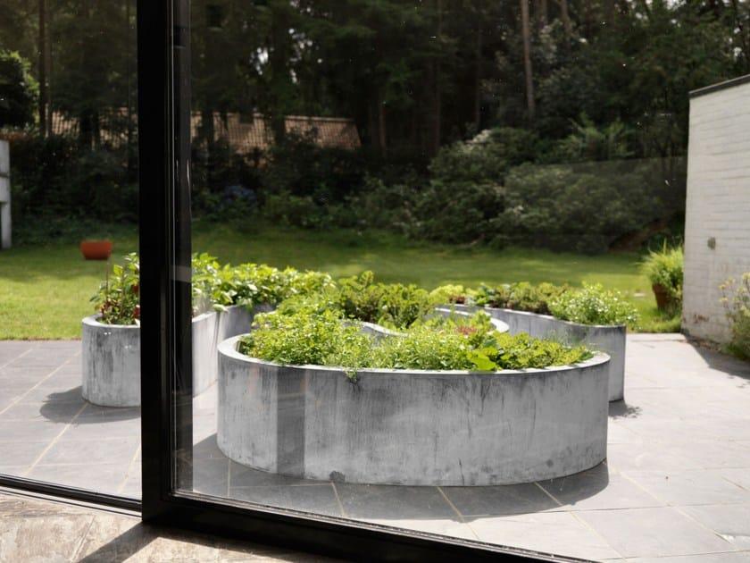 Metal Flower pot ZINC LOW LABYRINTH by Domani