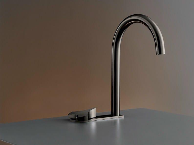 2 hole hydroprogressive washbasin mixer ZIQ 32 by Ceadesign