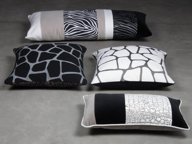Animalier jacquard fabric ZUU GIRAFFE by l'Opificio