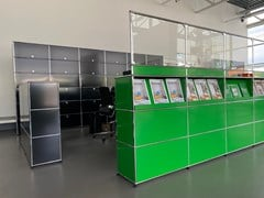 Banco reception modulare con barriera parafiato USM HALLER GREEN - USM MODULAR FURNITURE