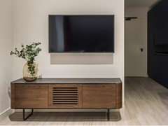 Mobile TV in legno con ante a battenteADARA | Mobile TV - MOMOCCA