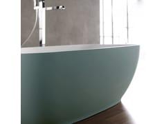 Vasca da bagno centro stanza ovale in Solid SurfaceALEXIA COLOR - KAROL ITALIA