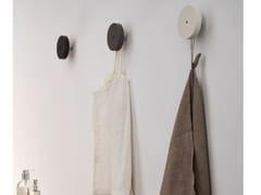 Appendiabiti da parete in legnoAPPENDIABITI - ARCOM