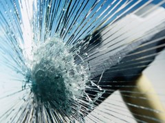 Pellicola per vetri antivandalismo di sicurezzaASTILIA ARKO DEFENDER - AVHIL ITALIA