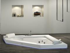 Vasca da bagno a 2 posti angolare idromassaggio in Corian®AURA CORNER 160 CORIAN® - JACUZZI® EUROPE