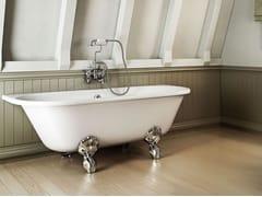Vasca da bagno ovale in acrilico su piediAVANTGARDE - BATHROOM BRANDS GROUP