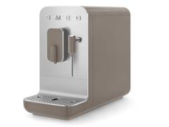 Macchina da caffè automatica con lancia vaporeBCC02 - SMEG