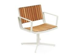 Seduta da esterni in acciaio e legno con braccioliBERLIN | Seduta da esterni - VESTRE