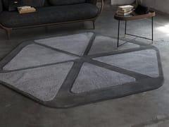 Tappeto fatto a mano in fibra sintetica in stile moderno a motivi geometriciBLUME - BESANA MOQUETTE