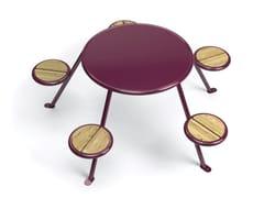 VESTRE, BUZZ Tavolo per spazi pubblici in HPL con sedie integrate