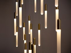 Lampada a sospensione a LED in vetro opaleCASCADIA - MATTHEW MCCORMICK