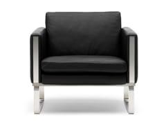 Poltroncina in pelle con braccioliCH101   Lounge Chair - CARL HANSEN & SØN MØBELFABRIK A/S