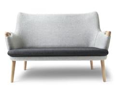 Divano in tessuto a 2 postiCH72   Sofa - CARL HANSEN & SØN MØBELFABRIK A/S