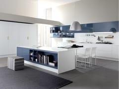 Cucina componibile laccata con isola CITY | Cucina laccata -
