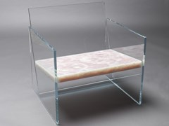 Poltrona in onice con braccioliCLASTE - HOW FRAGILE THIS LOVE - ARCHIPRODUCTS.COM
