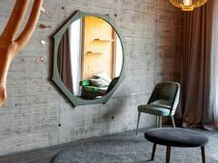 Specchio rotondo in legno massello con corniceCOLIBRI - DEVINA NAIS