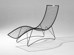Chaise longue in acciaio verniciato a polvere CURVE | Chaise longue - STUDIO STIRLING