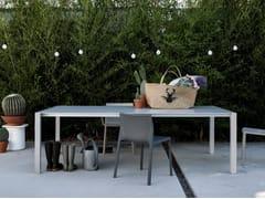 Tavolo da giardino con top in Dekton® SUSHI DEKTON® - Sushi