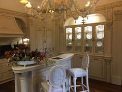 Cucina su misura in rovere con isolaDESIDERIO   Showroom - MARTINI MOBILI