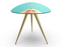 Tavolino triangolare con piano in MDF e gambe in metalloDRILL | Tavolino - SELETTI