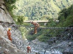 Rete di protezione paradetritiBarriere VX contro le colate detritiche - GEOBRUGG ITALIA