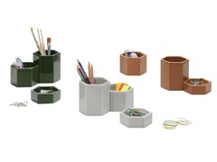 Portapenne in ceramicaHEXAGONAL CONTAINERS - VITRA