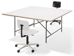 Scrivania ad altezza regolabile quadrata in acciaio e legnoEIERMANN 1 | Scrivania quadrata - RICHARD LAMPERT
