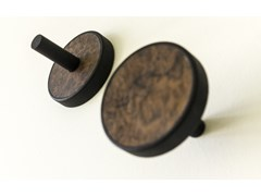 Coppia di appendiabiti in legno pregiatoELITE RADICA - LEONARDO TRADE