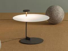 Lampada da terra a LED in metallo con mensolaFLAT | Lampada da terra con mensola - VIBIA