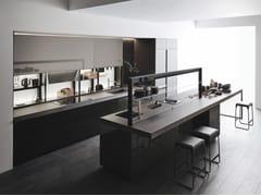 Cucina in vetro in stile moderno con isola senza maniglieGENIUS LOCI OCEAN GREEN - VALCUCINE