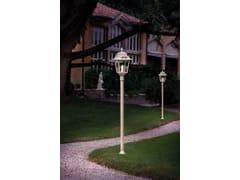 Lampione da giardino a lanterna in ceramicaGORIZIA | Lampione da giardino - FERROLUCE