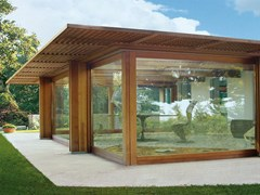 Veranda completa di struttura e copertura vetrataPavilion vetrato - CAPOFERRI SERRAMENTI